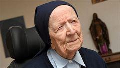 Nejstarší Evropanka prodělala covid bez potíží. 'Vůbec jsem se nebála,' říká 117letá řádová sestra