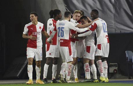 Slavia si polepšila o další desítky milionů korun. V pohárech si už přišla na slušné peníze