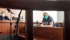 Predátora z dokumentu V síti, který chtěl po dívkách obnažené fotografie, poslal soud na dva roky do vězení