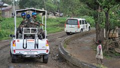 Kdo zaútočil na konvoj OSN? Povstalci vinu odmítají, ukazují na armády Konga a Rwandy