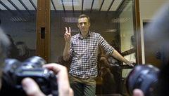 Navalnyj ohlásil hladovku, chce adekvátní lékařskou péči. Požaduje vpuštění pozvaného doktora