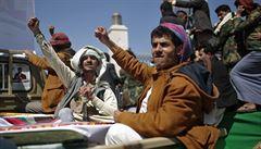 Jemenští povstalci prý zasáhli ropný areál a protiletecký systém v Saúdské Arábii
