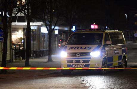 Ve Švédsku útočil nožem 22letý Afghánec, policisté ho při zásahu postřelili