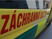 Nešťastná nehoda na Brněnsku: Muže při opravě traktoru zajelo kolo, utrpěl vážná zranění