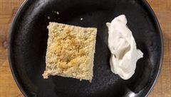 Máslem vonící jablka. Jak na koláč s drobenkou poradí Jan Punčochář