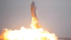 NASA dala pro let na Měsíc přednost Muskově SpaceX před Blue Origin. Mise je v plánu už na rok 2024