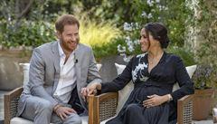 Harrymu a Meghan rapidně klesla v Británii popularita. Pár upadl v nemilost hlavně u starší generace