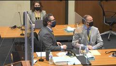 Expolicista obžalovaný z vraždy Floyda čelí dalšímu obvinění, soud obnovil obžalobu z vraždy třetího stupně