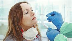 Testy v Česku v úterý potvrdily 131 případů koronaviru, o třetinu méně než před týdnem