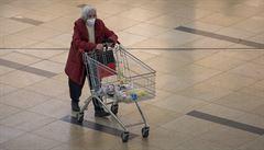Z obchodů na okrajích měst mizí zákazníci. Ztráty budou velmi vysoké, zoufají řetězce
