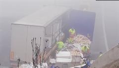 Dálnici D8 ve směru na Německo blokují nehody, u tunelu Prackovice je již průjezdná