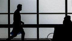 Pandemie nadále polevuje. Středeční přírůstek nakažených čítá o sto méně případů než před týdnem