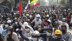 Nepokoje v Barmě pokračují. Vojáci zabili při demonstracích dalších 90 lidí, celkově už přes 320