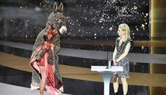 'Vraťte nám umění!' Herečka se na předávání cen César svlékla donaha kvůli zavřeným divadlům