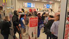 Povánoční slevy v obchodech jsou v ohrožení, výprodeje může zmařit PES