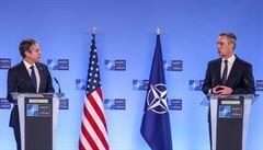NATO chce na summitu stvrdit vazby mezi USA a Evropou, stěžejní téma bude přístup k Rusku