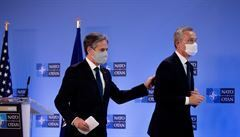 Čína nesdílí naše hodnoty, prohlásil Stoltenberg po setkání s Bidenem. NATO podpořilo americkou politiku vůči Rusku