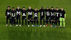 'Lidská práva na hřišti i mimo něj'. Norští fotbalisté na dálku podpořili dělníky v Kataru, přidali se i Němci
