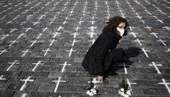 S covidem zemřelo v Česku už přes 25 tisíc lidí, více než polovina úmrtí přibyla letos