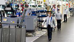 Požár japonské továrny ještě umocnil obavu z nedostatku čipů pro výrobu automobilů