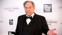 Ve věku 87 let zemřel hollywoodský herec George Segal, hvězda 60. a 70. let