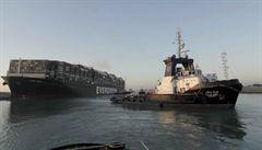 Rezavý člun stačí pro zablokování globálního obchodu. Suez se nachází v hledáčku stratégů i rebelů