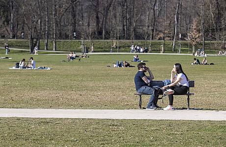 Praha chce zpět část Stromovky, kterou zabrali Rusové v roce 1968. Diplomaté by tak přišli o parkovací místa