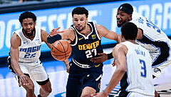 Philadelphia prohrála v NBA s Memphisem, s Nets se nadále dělí o vedení. Denver porazil Orlando
