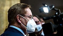 Arenberger v přiznáních majetku údajně nevykázal miliony za klinické studie. Sám to popírá