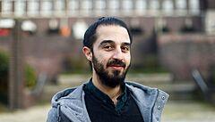 Syrský uprchlík, který chtěl kandidovat do Bundestagu, po výhrůžkách svou kandidaturu stáhl