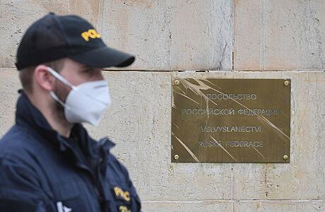 Světové mocnosti podpořily vyhoštění ruských diplomatů. Za Českem stojí Británie, USA i Německo