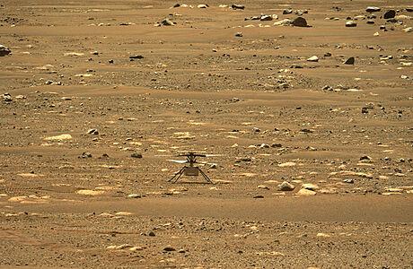 První kontrolovaný let ve vesmíru. Helikoptéra Ingenuity na Marsu vzletěla a zase přistála, potvrdila NASA