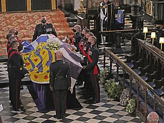 Smuteční obřad v kapli sv. Jiří.