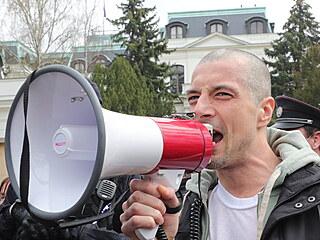 Protest před ruskou ambasádou po odhalení kauzy Vrbětice.