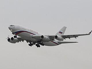 Letadlo, které odvezlo vyhoštěné ruské diplomaty.