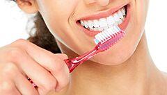 Ostravští vědci pracují na vylepšení zubních implantátů