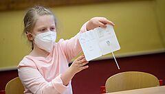 Správa rezerv zrušila tendr na 5,6 milionu testů na koronavirus do škol, podmínky nesplnil žádný ze čtyř zájemců