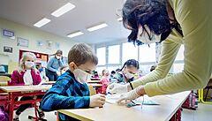 Vojtěch plánuje na začátku školního roku plošné PCR testování dětí, sejde se kvůli tomu s Plagou