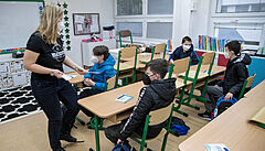Školáci na prvním stupni se příští týden plně vrátí do tříd, po sedmi dnech se přidá i druhý stupeň