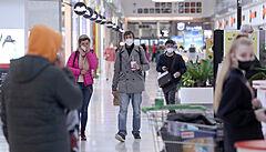 Lidé v Praze ráno vyrazili do obchodních center, nejčastěji sháněli obuv. Fronty se tvořily spíše výjimečně