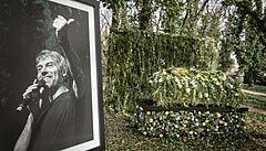 Pohřeb Kellnera proběhl už o víkendu. Rakev vystavili na zahradě u jeho pražské vily