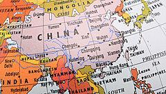 Tchaj-wanu chybí vakcíny, viní Čínu. Jen málo obyvatel má přirozenou imunitu, počet nakažených prudce stoupá
