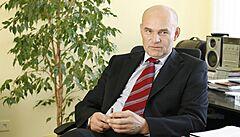 Sněmovna navrhla do RRTV bývalého ředitele ČT Janečka, druhé kolo voleb se zřejmě uskuteční příští týden
