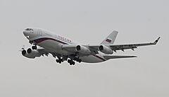 Rusko poslalo do Prahy pro vyhoštěné diplomaty 'Putinův' Iljušin. Velký speciál z Česka již odletěl