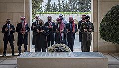 Jordánský král se poprvé od roztržky objevil na veřejnosti vedle bratra. Princ Hamza čelil obvinění ze spiknutí