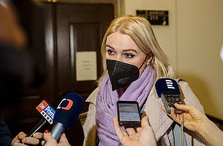Výbor pro obranu vyzval vládu k narovnání počtu diplomatů Česka a Ruska