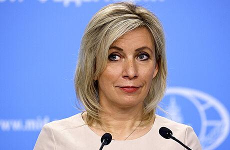 Postup Prahy nemá nic společného s diplomacií, jde o objednávku, prohlásila mluvčí Zacharovová