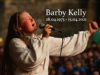 Ve věku 45 let zemřela zpěvačka Barby Kelly.