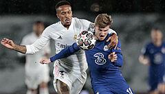 Real nezačal semifinále proti Chelsea dobře. Remízu mu doma zachránil Benzema