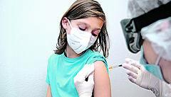Babiš: Děti mezi 12 a 15 lety se budou moci očkovat proti covidu od 1. července, doprovodí je rodiče